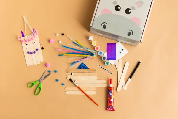 Patyczki w zestawie kreatywnym dla dzieci